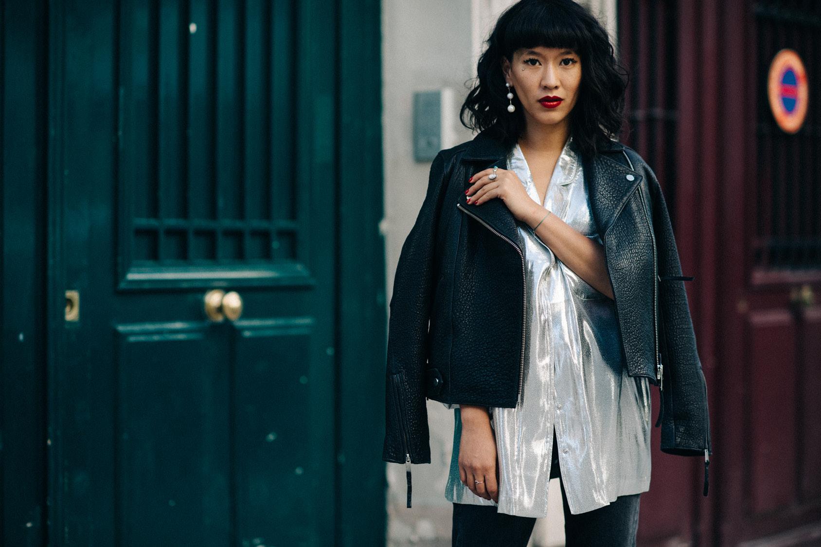 Leeloo wearing H&M silver shirt
