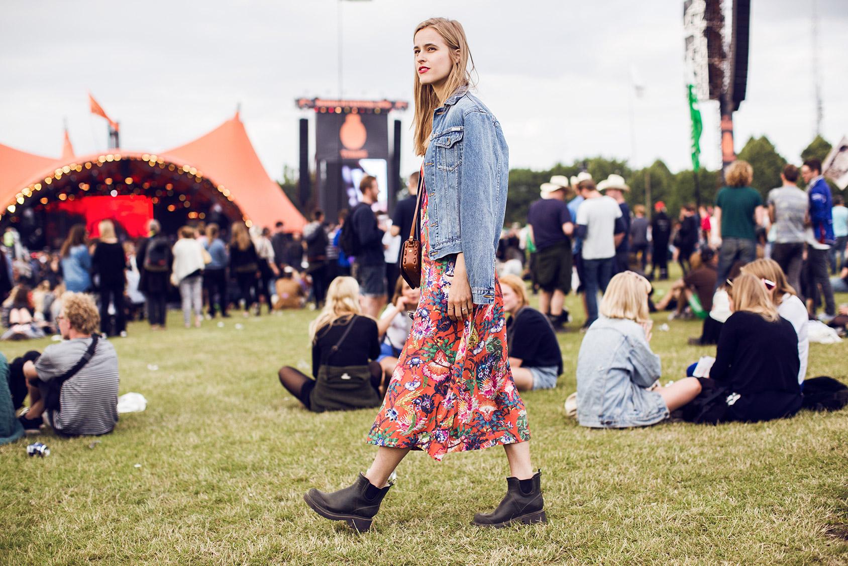 Cathrine Nissen lleva un vestido de H&M en Roskilde