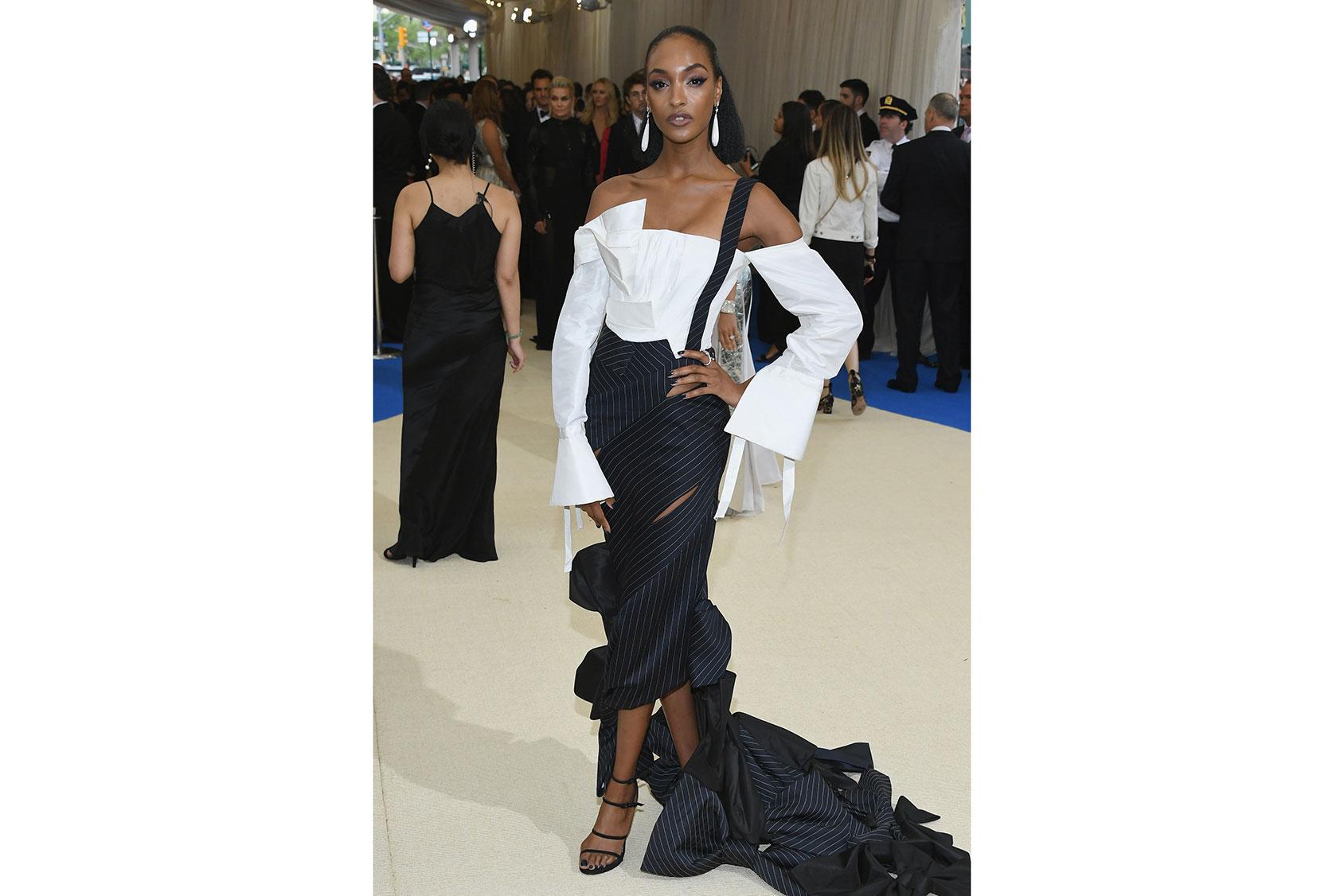 Jordan Dunn vestida de H&M a medida en la Met Gala