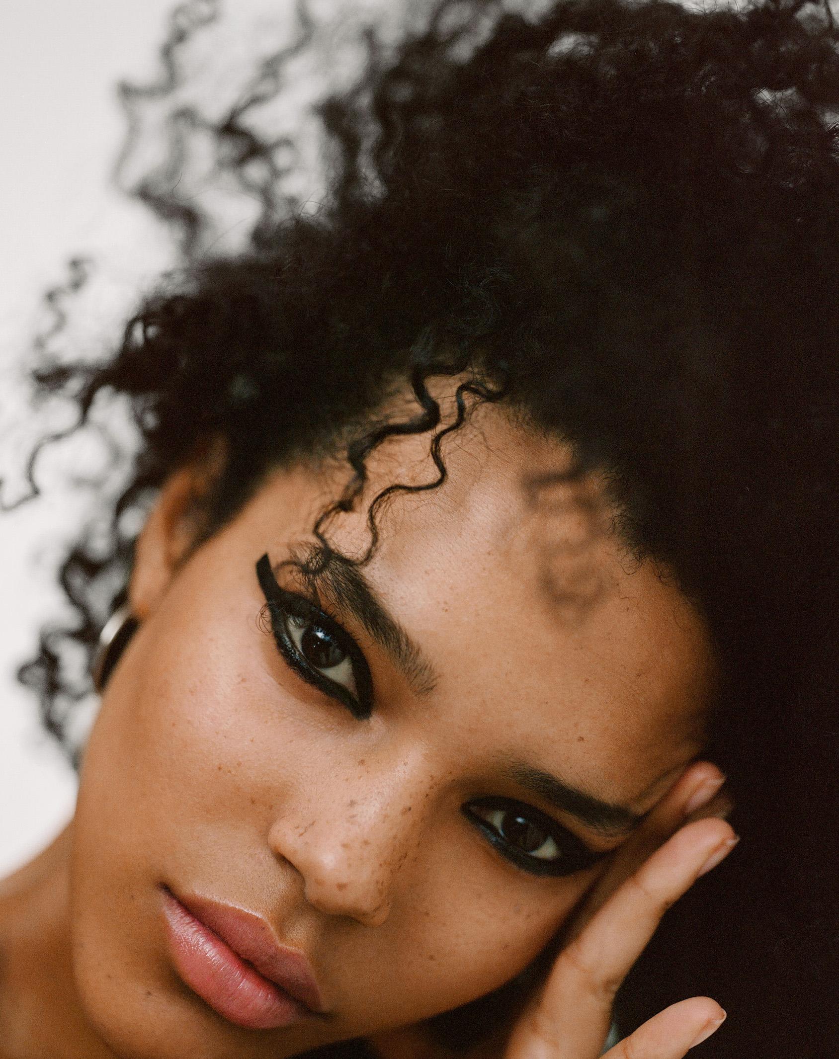 H&M bold black eyeliner
